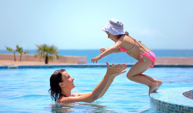 Apprendre à nager à son enfant : Tout ce que vous devez savoir