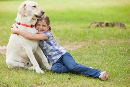 5 bonnes raisons pour offrir un animal de compagnie à votre enfant