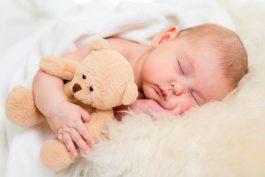 Bien choisir le doudou de son bébé