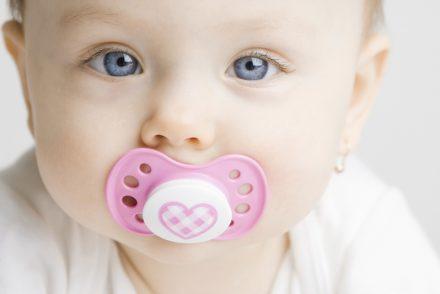La tétine, est-elle nécessaire pour le bébé ?