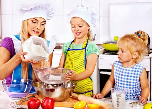 Organisez un atelier culinaire avec vos enfants !