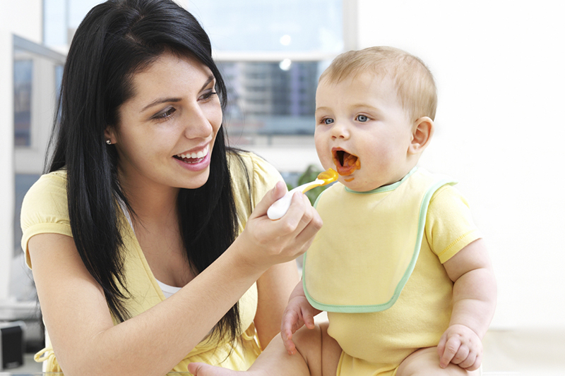 Sevrage bébé: Les premiers pasà faire