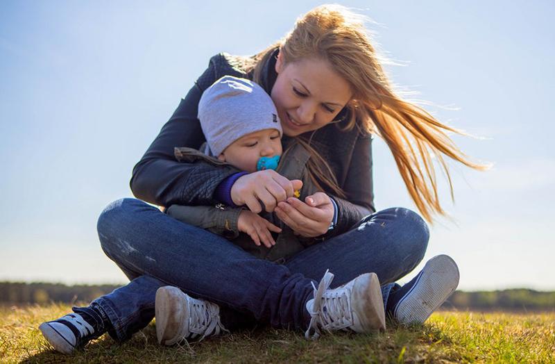 Comment galérer moins en tant que mère célibataire ?
